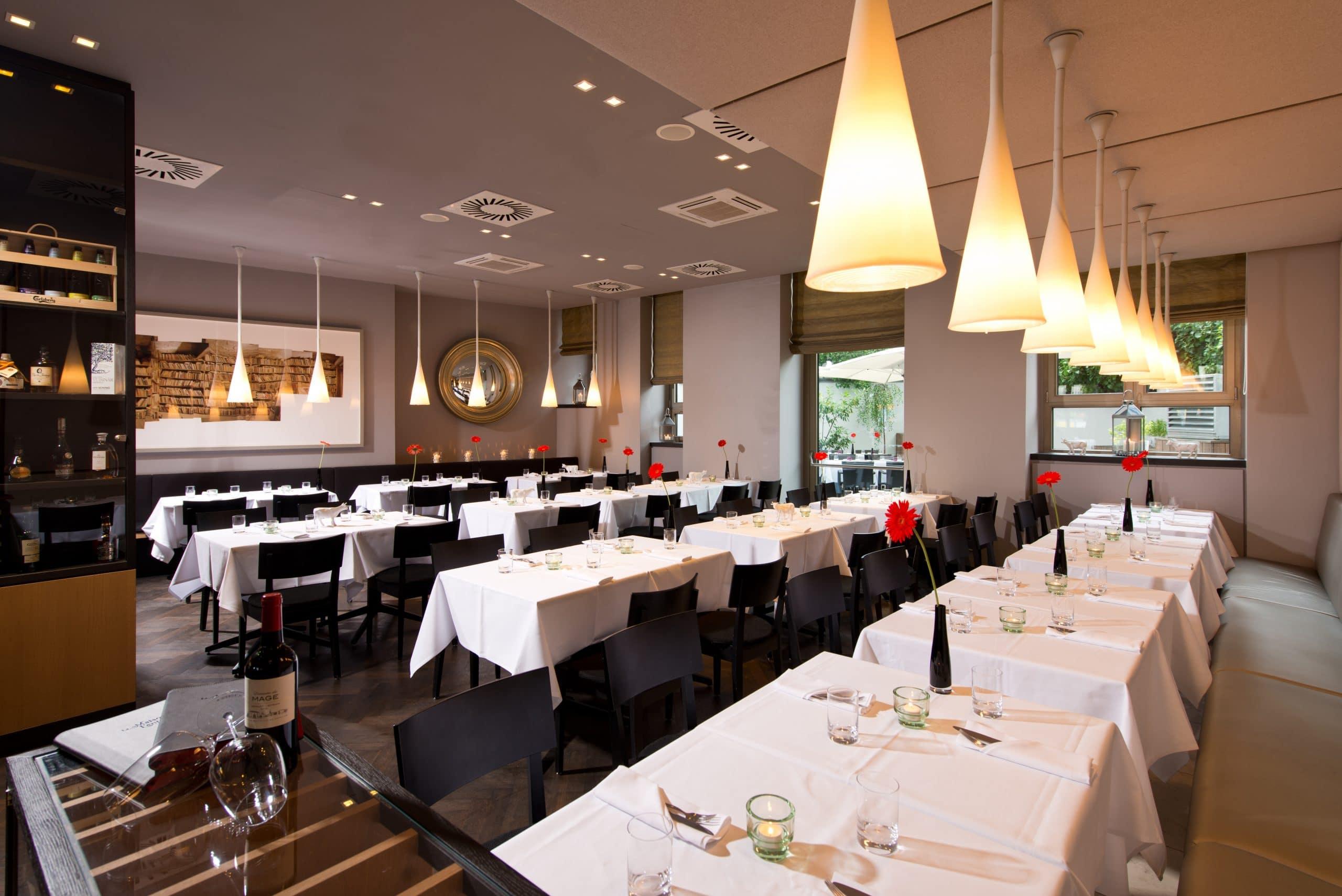 Hotel Restaurant Maison Blanche Paris France
